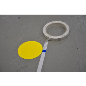 Ruban de mesure pour l'application du marquage au sol